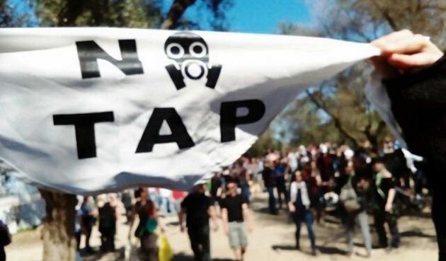 """Washington-Roma ecco la politica del """"do ut Tap"""""""