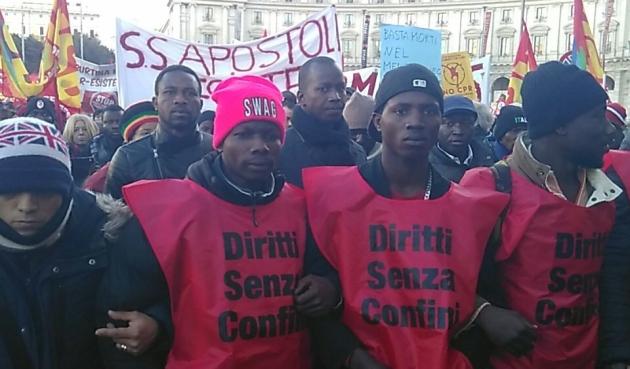 """""""Invisibili"""" in marcia a Roma: diritti e permesso umanitario"""